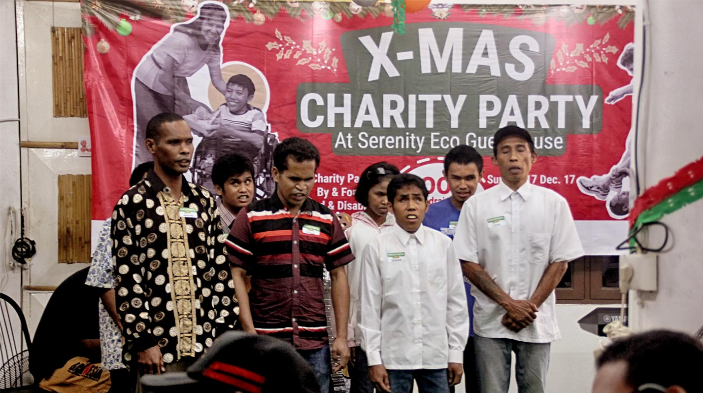 You are all welcome to join our Annual Serenity X-mas Charity every December. Together let's share happiness and caring by giving your donation for disabled charity or fulfils their wishes on the Christmas tree.